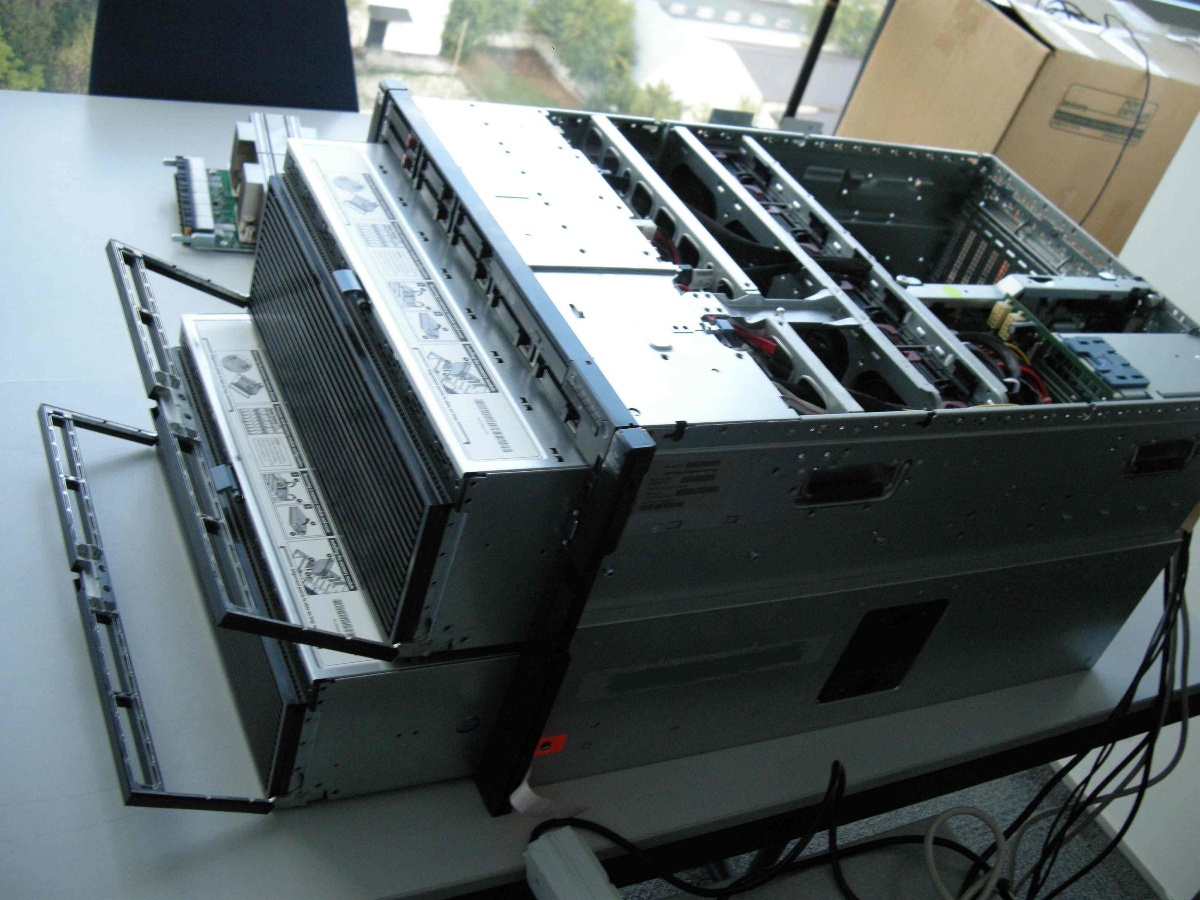 قیمت-سرور-HP-DL980-G7