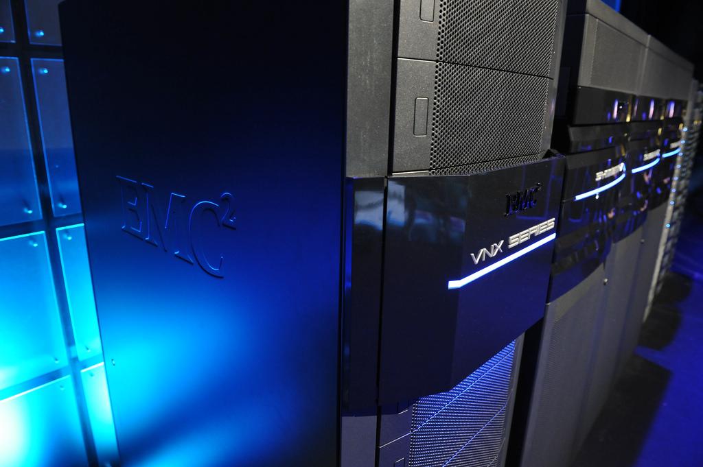 تجهیزات ذخیره سازی خانواده EMC VNX